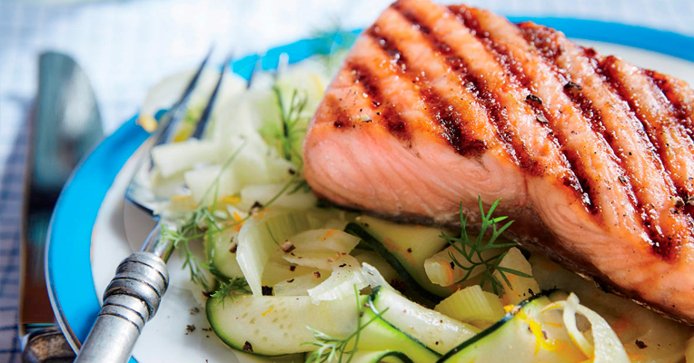Salmon with fennel salad