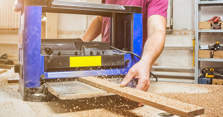 How does a planer work