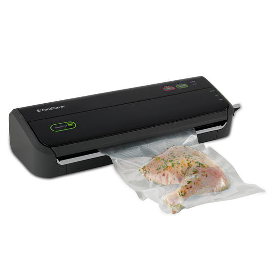 FoodSaver FM2000 Vacuum Sealing System with Starter Bag/Roll Set