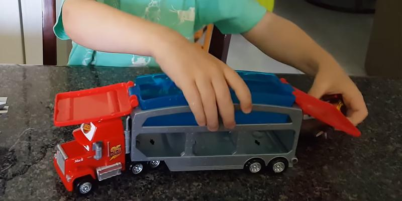 Review of Mattel Disney/Pixar Toy Cars Color Change Mack Dip & Dunk Trailer