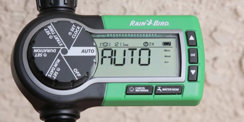 Rain Bird 32ETI Easy to Install In-Ground Automatic Sprinkler System in the use