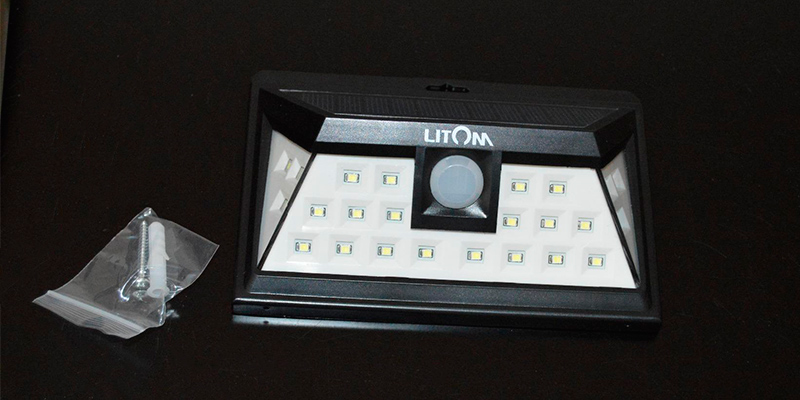 Litom LTCD011AB Solar Lights Outdoor, Wireless 24 LED Motion Sensor in the use