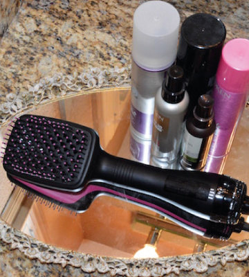 Review of Revlon One-Step Hair Dryer And Styler