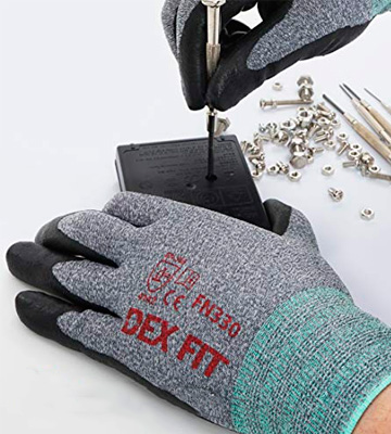 Review of DEX FIT Cru553 Level 5 Cut Resistant Kevlar Gloves