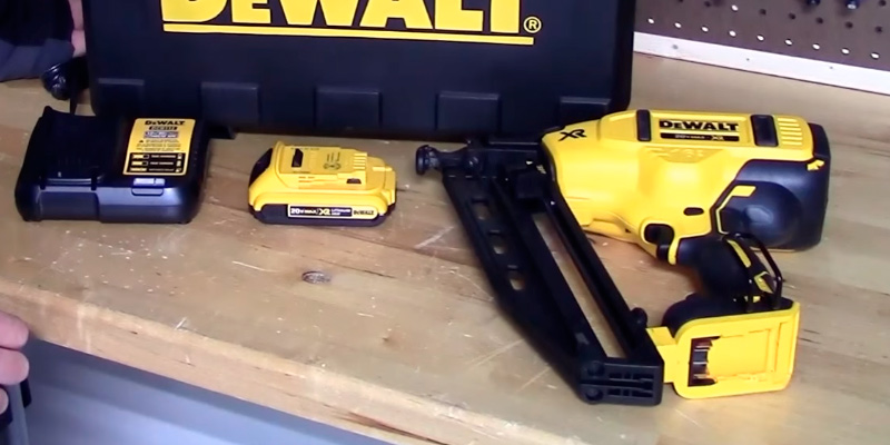 Detailed review of DEWALT DCN660B Finish Nailer