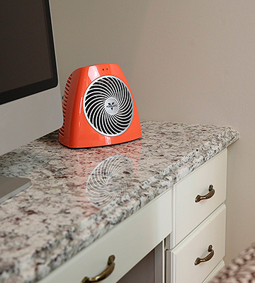 Review of Vornado VH202 Personal Space Heater, Orange