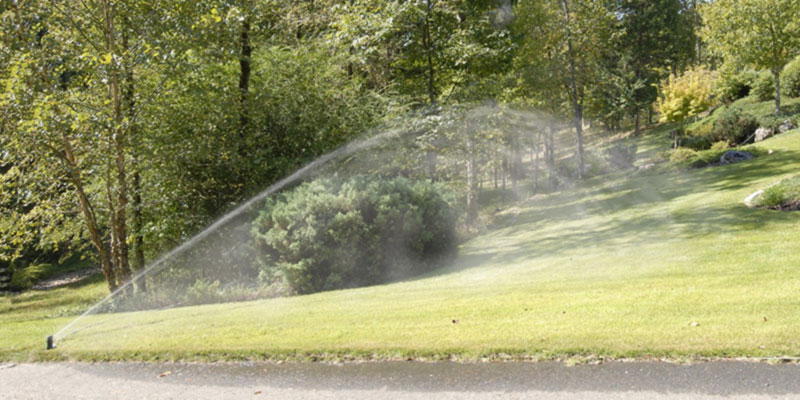Quick-Snap QSK-74 In-Ground 5-Inch Pop-Up Adjustable Sprinkler in the use