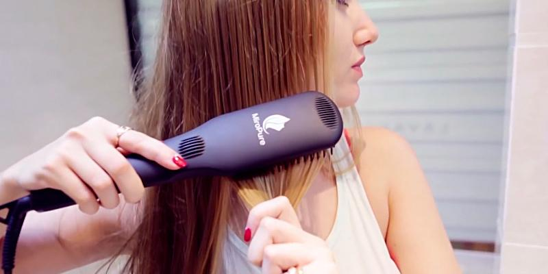 MiroPure 2 in 1 Ionic Hair Straightener Brush in the use