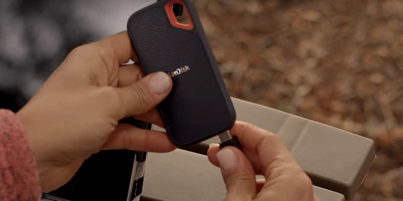 SanDisk Extreme Portable SSD — USB 3.1 Type-C in the use