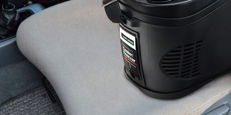 BLACK&DECKER Travel Cooler & Warmer Bag in the use