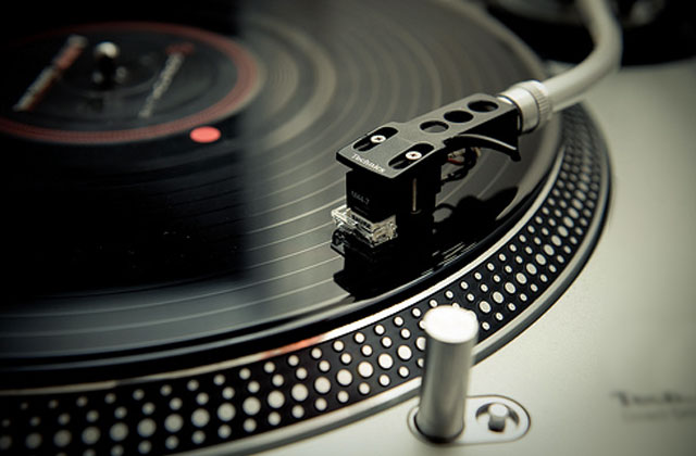 Best Turntables: Ultramodern and High Class