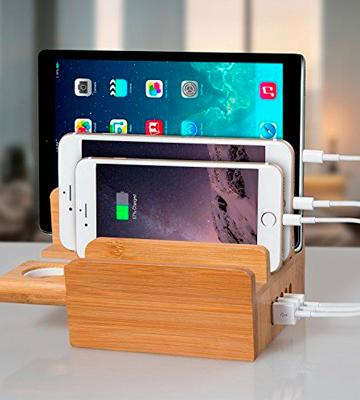 Review of Upow CS007 Bamboo Charging Station