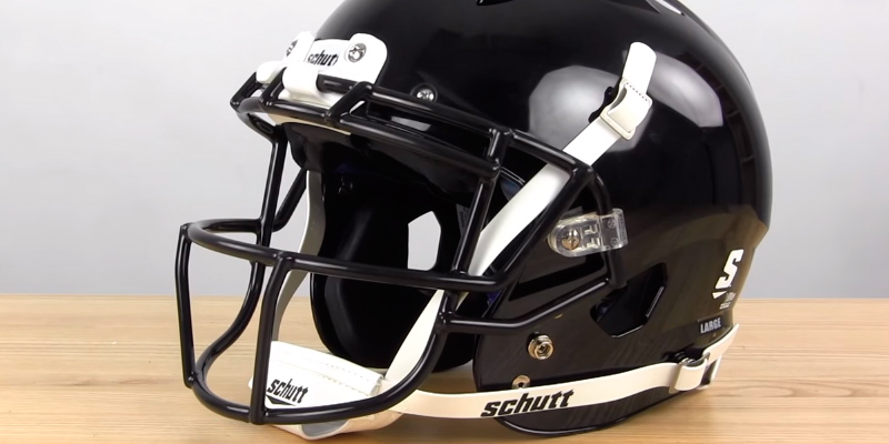 Schutt Sports Vengeance VTD II Football Helmet application