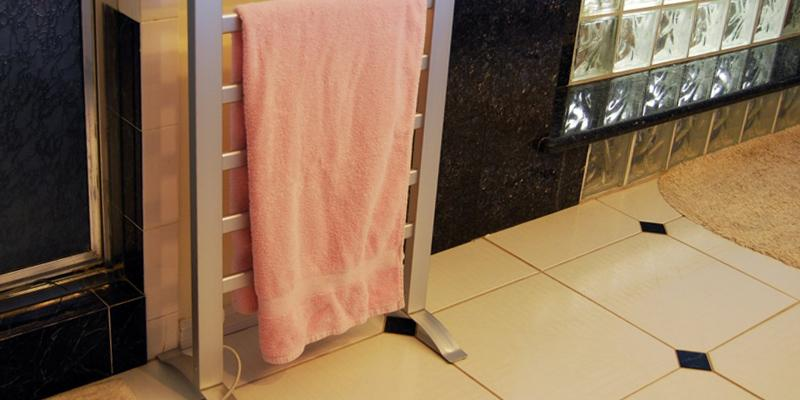 LCM Home Fashion Freestanding Towel Warmer in the use