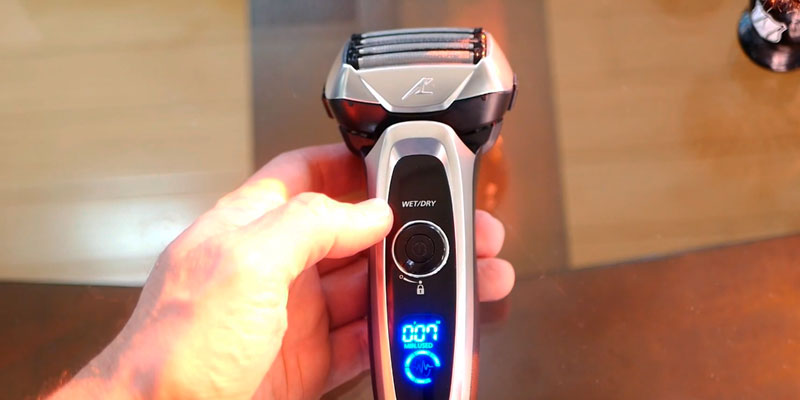 Panasonic ES-LV65-S Arc5 Electric Razor with Shave Sensor Technology in the use