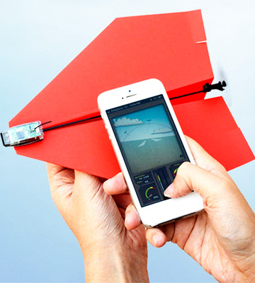 Review of PowerUp Smartphone Controlled Paper Airplane