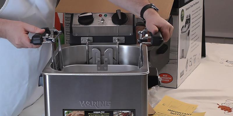 Waring Pro TF200B Rotisserie Turkey Fryer in the use