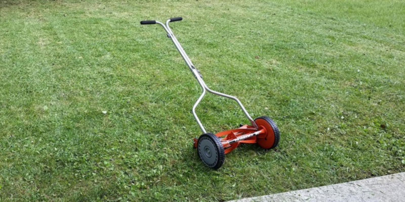 Review of American Lawn Mower 1204-14 4-Blade Push Reel Lawn Mower