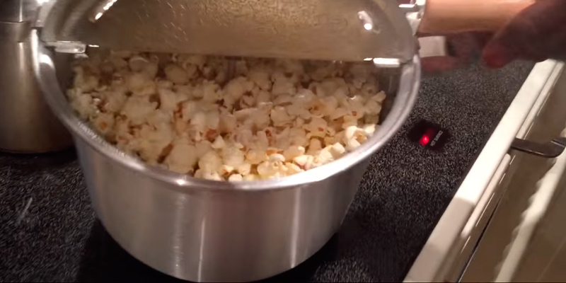 Wabash Valley Farms Whirley-Pop Stovetop Popcorn Popper in the use