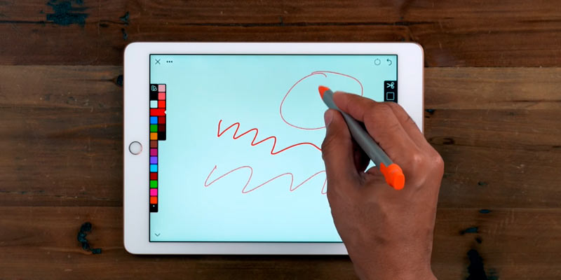 Logitech Crayon for iPad (6th Gen), iPad Air (3rd Gen) and iPad Mini (5th Gen) in the use