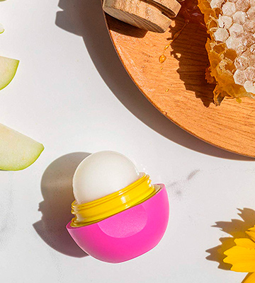 Review of eos Super Soft Shea Sphere Lip Balm
