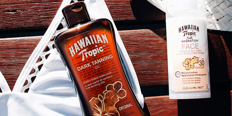Review of Hawaiian Tropic Dark Tanning Oil
