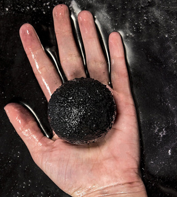 Review of Intimate Bath & Body Classic Little Black Dress Bath Bomb