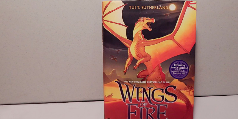 Tui T. Sutherland Wings of Fire Boxset in the use