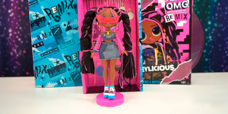 Review of L.O.L. Surprise! O.M.G. Remix Honeylicious Fashion Doll 25 Surprises with Music