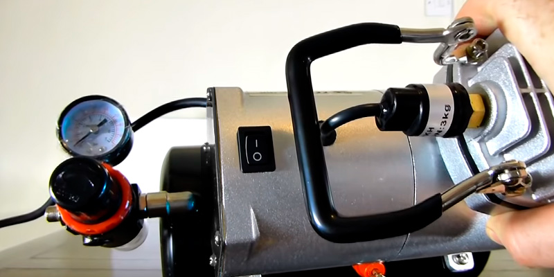 Zeny 4336951446 Airbrush Air Compressor with 3L Tank in the use