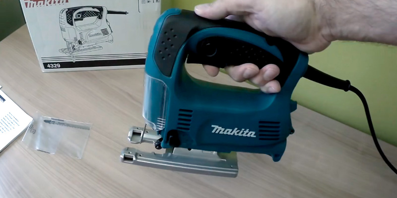 Detailed review of Makita 4329K Variable-Speed Top-Handle