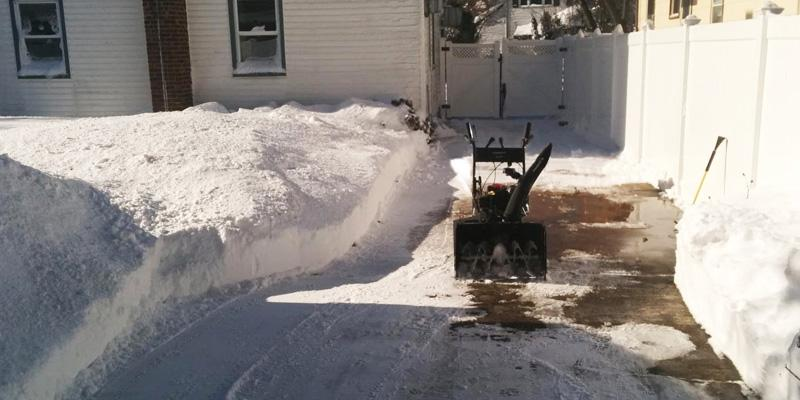 Review of Power Smart DB7659A Gas Powered Snow Thrower with Electric Start
