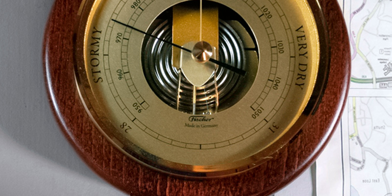 Review of Fischer Instruments 1436R-12 Open Face Wood and Brass Barometer
