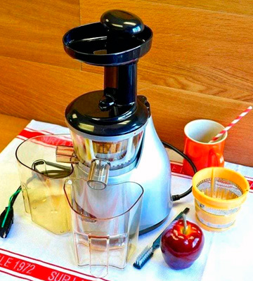 Review of Omega VRT350 Heavy Duty Low Speed Vertical Masticating Juicer