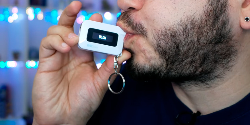 BACtrack BT-C6 Keychain Breathalyzer in the use