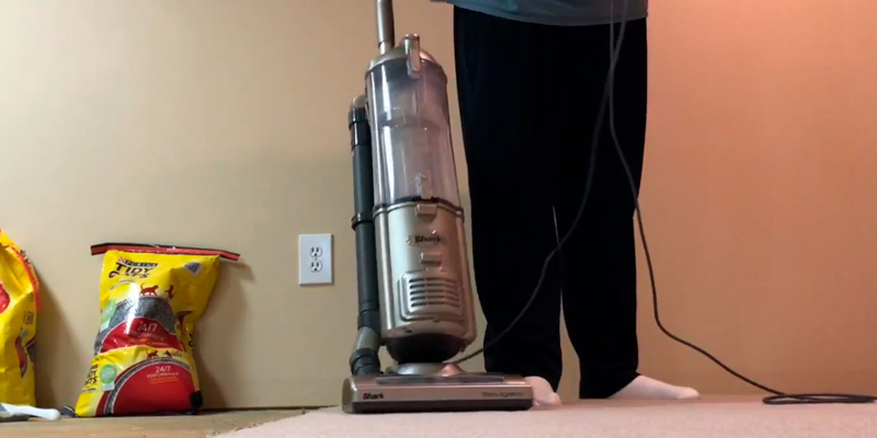 Review of Shark NV42 Navigator Deluxe Upright Vacuum