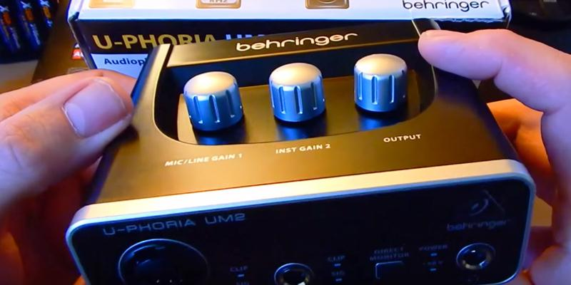 Behringer U-Phoria UM-2 Audio Interface in the use