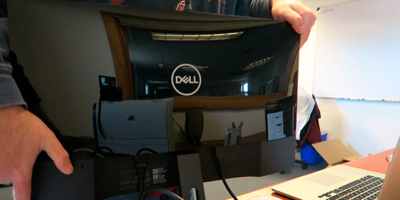 Dell SE2419Hx 23.8-Inch IPS Full HD Monitor in the use