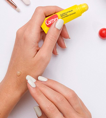 Review of CARMEX Classic Squeezable Medicated Lip Balm