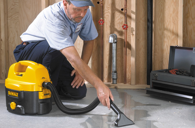 Comparison of Cordless Wet-Dry Vacuums