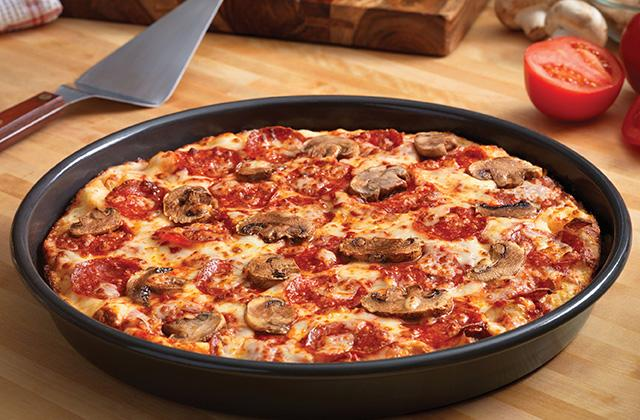 Best Pizza Pans, Trays and Stones