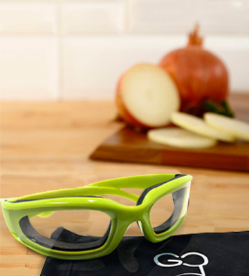 Review of Gadget Chef Free Micro Fiber Case Set Onion Goggles with Onion Holder & Odor removing soap