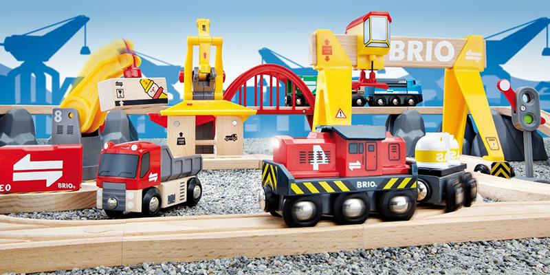 Review of Brio Cargo Railway Deluxe Set