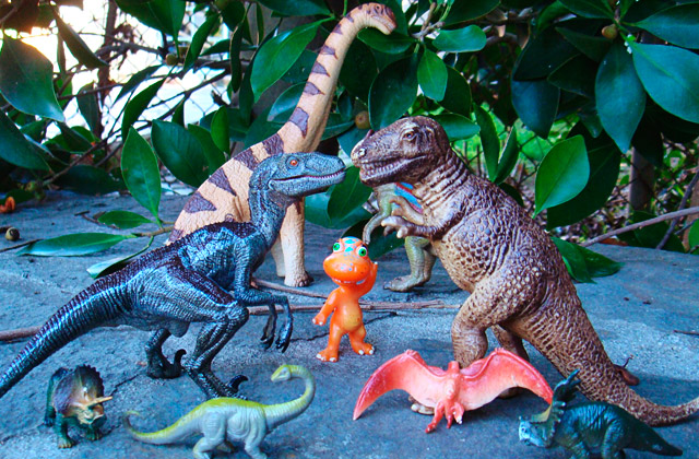 Best Dinosaur Toys to Get Closer to Prehistoric Times