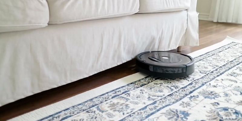 iRobot Roomba 890 Robot Vacuum Cleaner with Wi-Fi Connectivity in the use