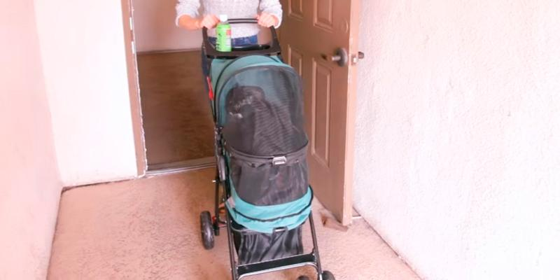 Review of Pet Gear Happy Trails No Zip Pet Stroller