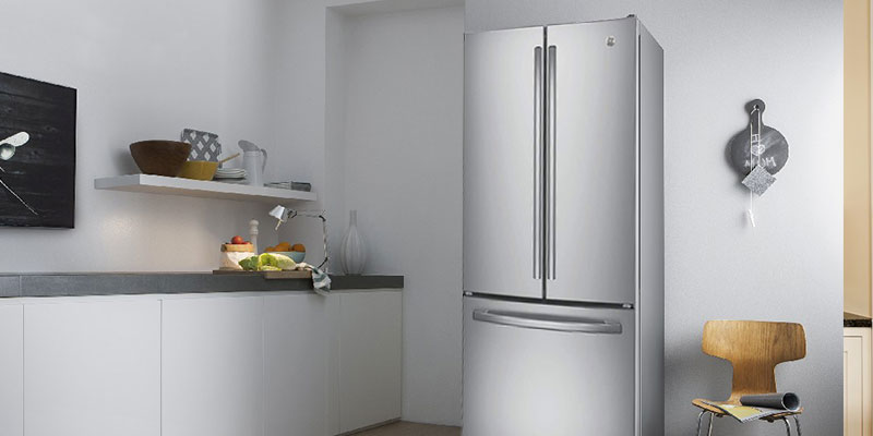 GE GNE25JSKSS 24.8 Cu. Ft. French Door Refrigerator in the use