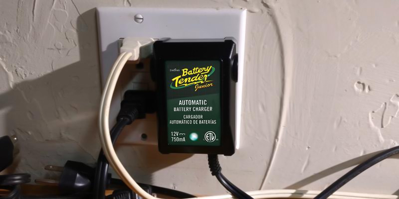 Review of Battery Tender Junior 021-0123 Battery Charger