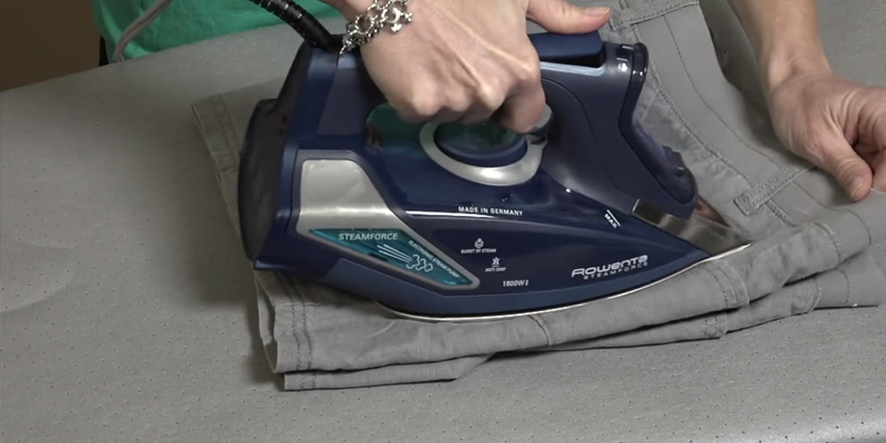 Review of Rowenta DW9280 Steam Force Steam Iron