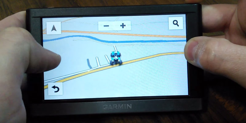 Garmin Bluetooth Portable Vehicle GPS in the use